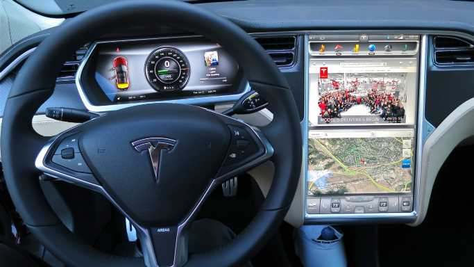 Tesla Gets Hit With Horrible Dependability Rating in New Study