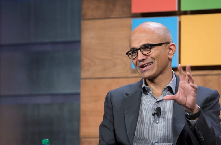 Microsoft's embrace of virtual reality is a clear sign that it's building its Teams chat app to be as major a platform as Microsoft Office itself
