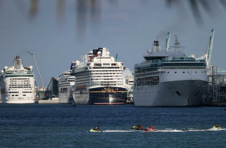 Carnival gets CDC approval to restart US cruises