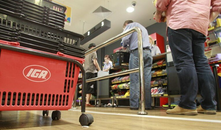 IGA operator Metcash says shoppers sticking to independent stores after lockdowns