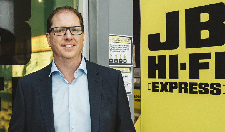 JB Hi-Fi reports bumper result but warns lockdowns damaging sales