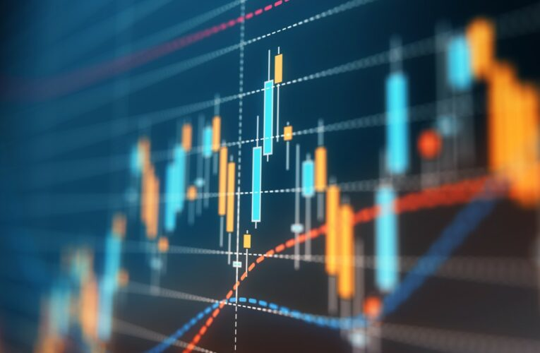 Monday's Top Analyst Upgrades and Downgrades: Analog Devices, Bilibili, Chewy, Dish Network, DR Horton, HPE, Krispy Kreme, Southwest Airlines and More