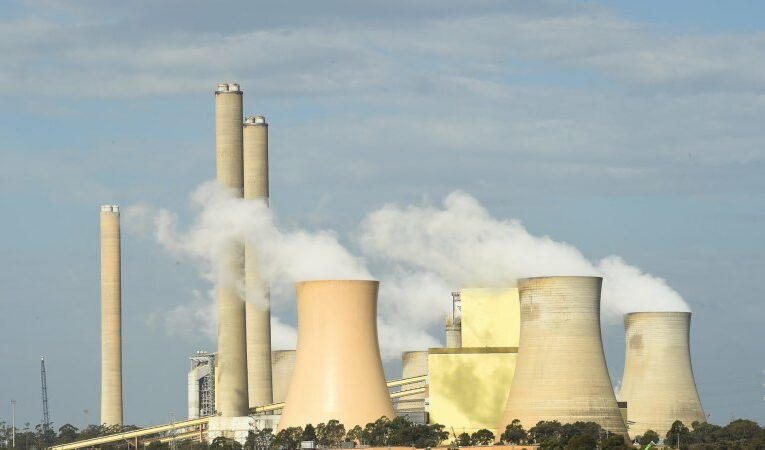 'Extremely challenging:' AGL posts $2b loss as clean energy shift pummels profits