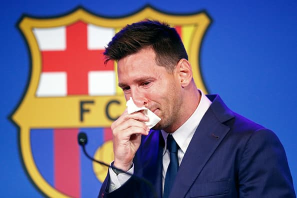 Lionel Messi receives formal PSG two-year contract offer after Barcelona exit