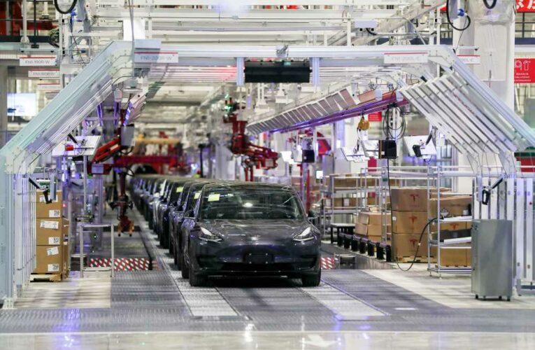 Tesla to mandate masks at Nevada factory as COVID-19 cases mount