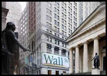 U.S. Stocks Close Narrowly Mixed Following Choppy Trading Day