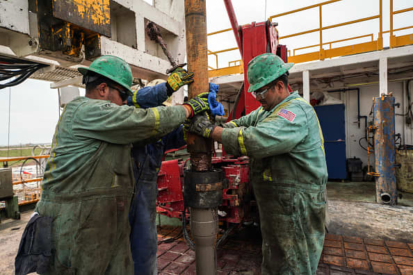 Charts suggest the oil rally is living on borrowed time, says Jim Cramer